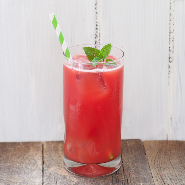 Watermelon lemonade from Recipe Renovator | Sugar-free, paleo, raw, gluten-free